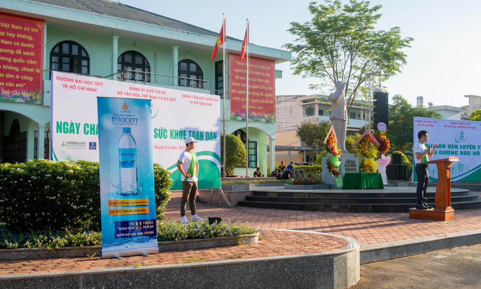 nước khoáng miocen đồng hành ngày chạy olympic 2019